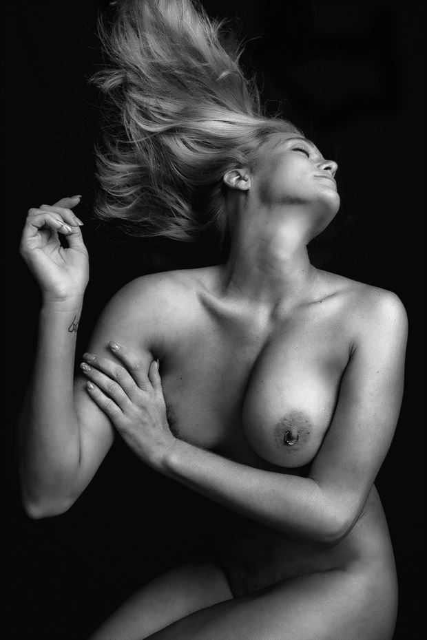 chin up artistic nude photo print by photographer rick jolson