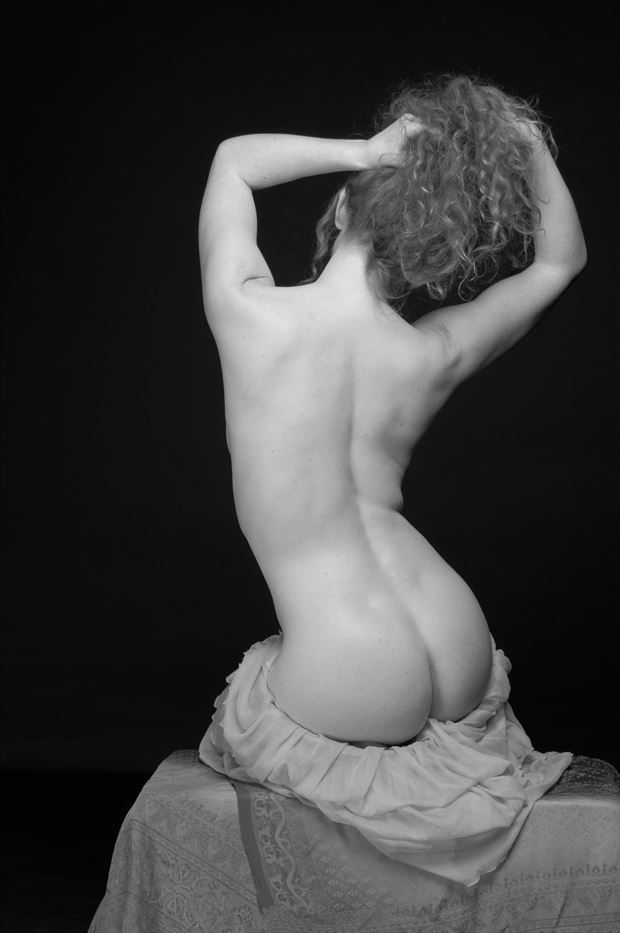 classical nude artistic nude photo print by photographer swaphoto