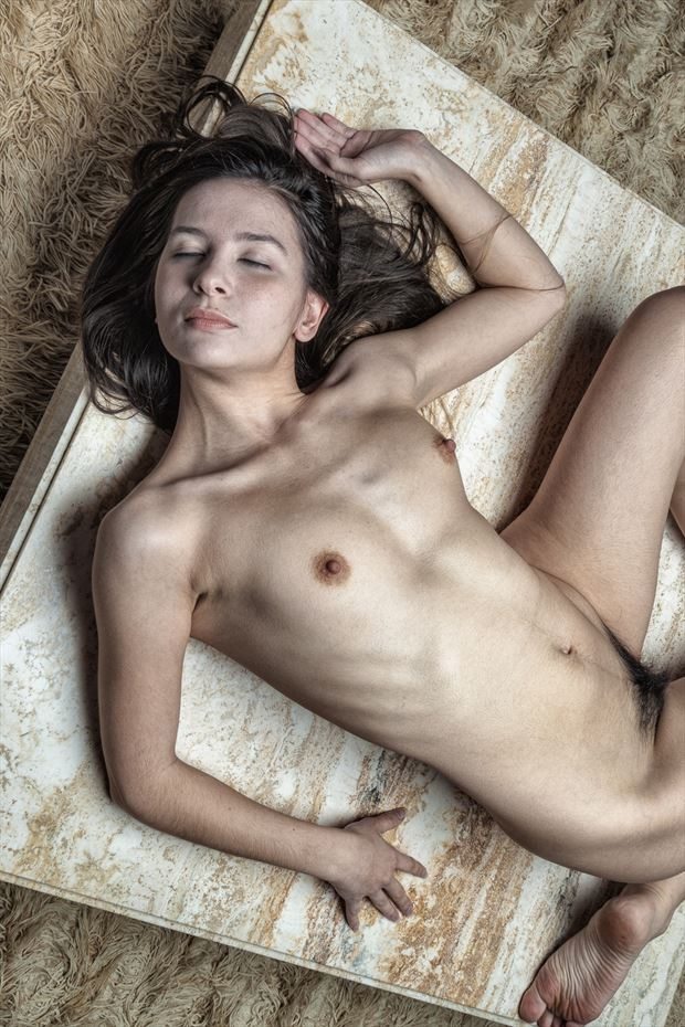 coffee table sprawl artistic nude photo print by photographer rick jolson