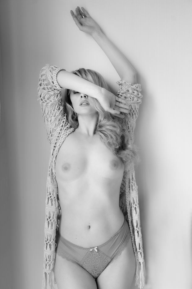 dazzled by the light artistic nude photo print by photographer colin dixon