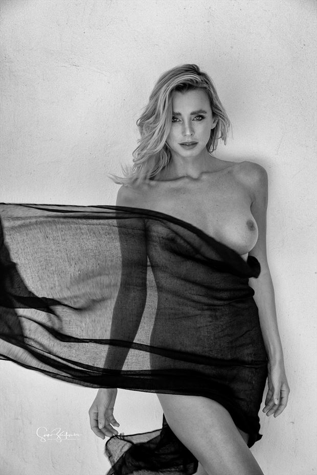dddomini artistic nude photo print by photographer acros photography