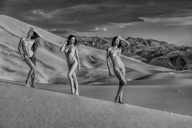 desert rendezvous artistic nude photo print by photographer philip turner