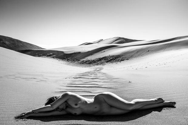 desert scene 1h artistic nude photo print by photographer gunnar