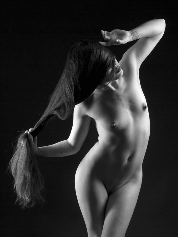 echo artistic nude photo print by photographer linninger