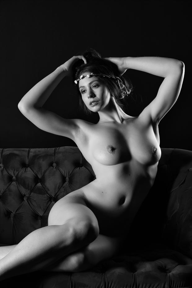 elle beth ii artistic nude photo print by photographer philip turner
