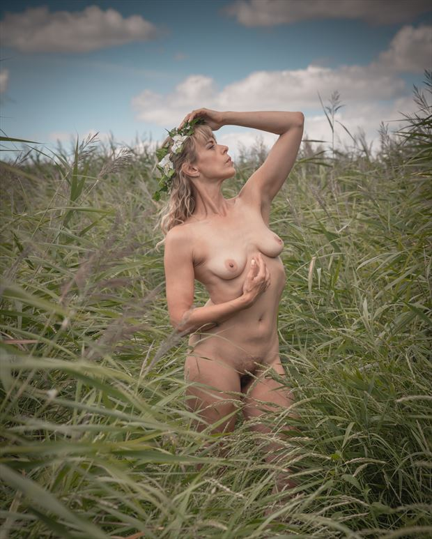 english summer beauty 2 artistic nude photo print by photographer colin dixon