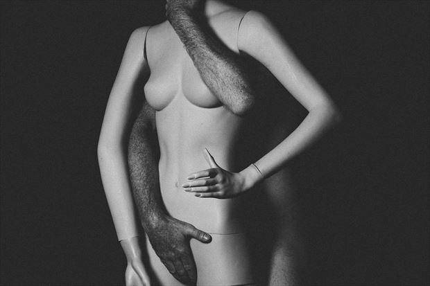 erotic studio lighting photo print by photographer kengehring