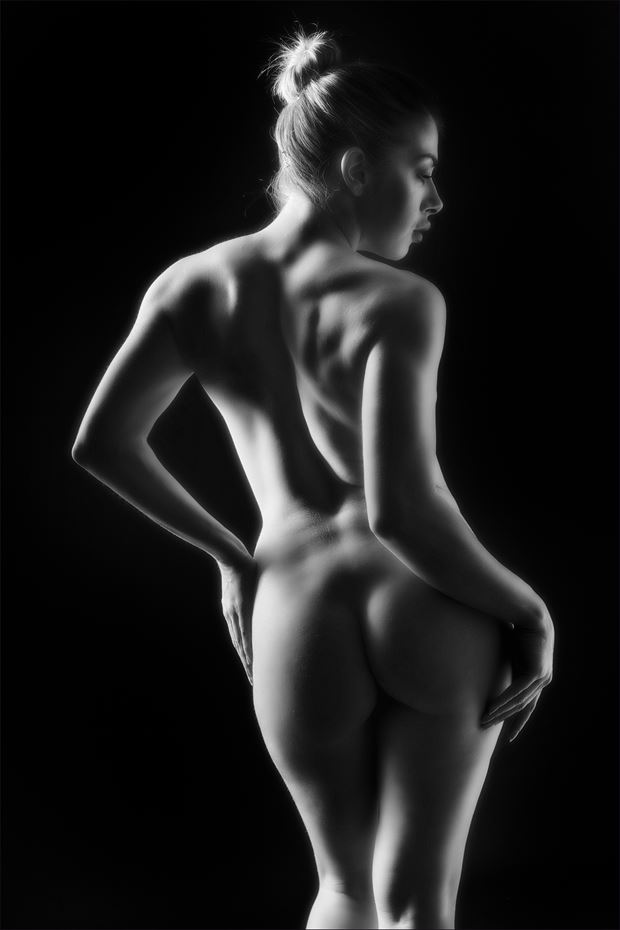 female curves artistic nude photo print by photographer colin dixon