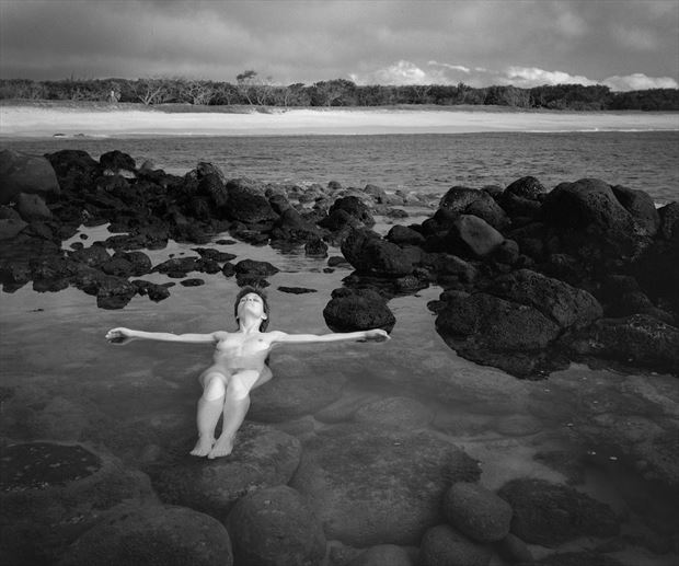 jane on molokai 1999 artistic nude photo print by photographer steve anchell