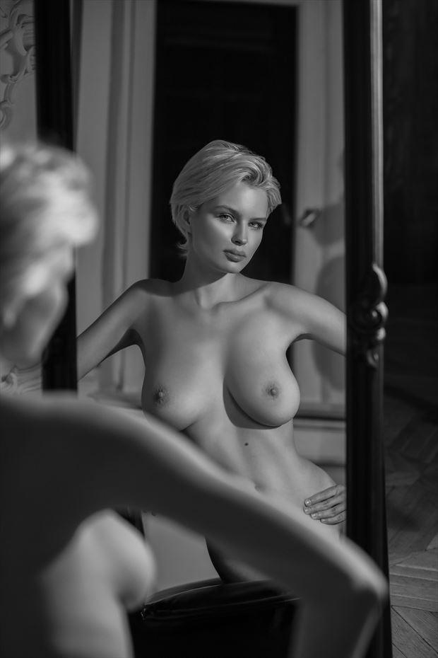 julia is sensual artistic nude photo print by photographer bold photographix