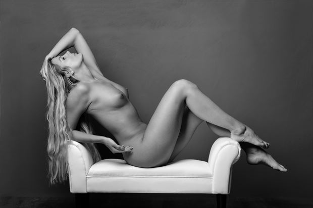 lay back artistic nude photo print by photographer colin dixon