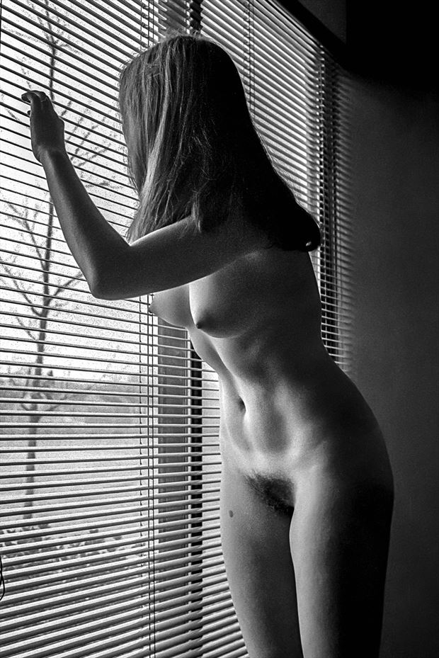 linda 1976 artistic nude photo print by photographer rick jolson