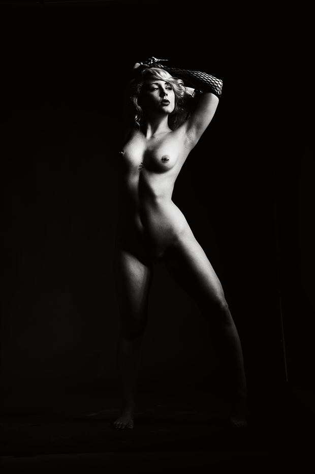 mariah snareline_chick artistic nude photo print by photographer depa kote