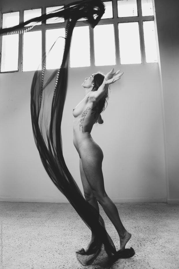 marie 4 artistic nude photo print by photographer rafael ugueto photography