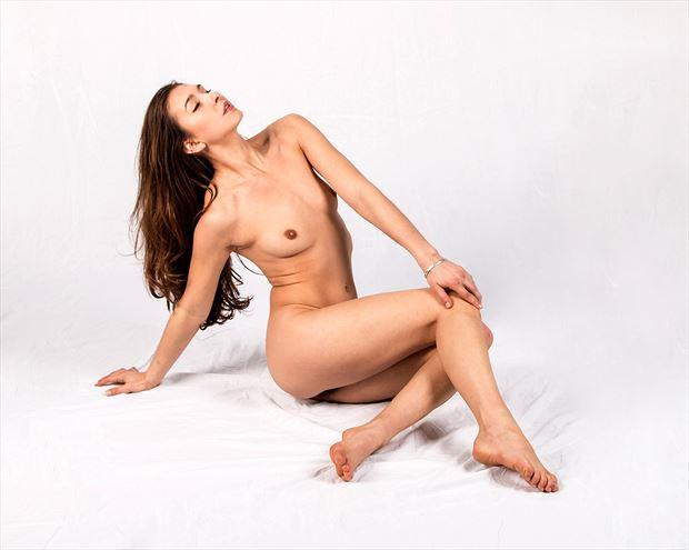melissa reclining artistic nude artwork print by photographer tony avellino