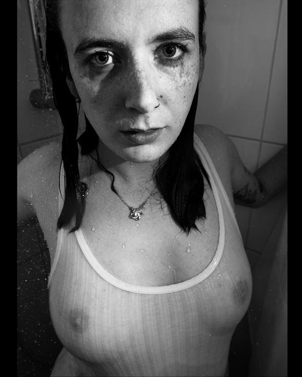 priscilla shower 5 artistic nude photo print by photographer jan karel kok