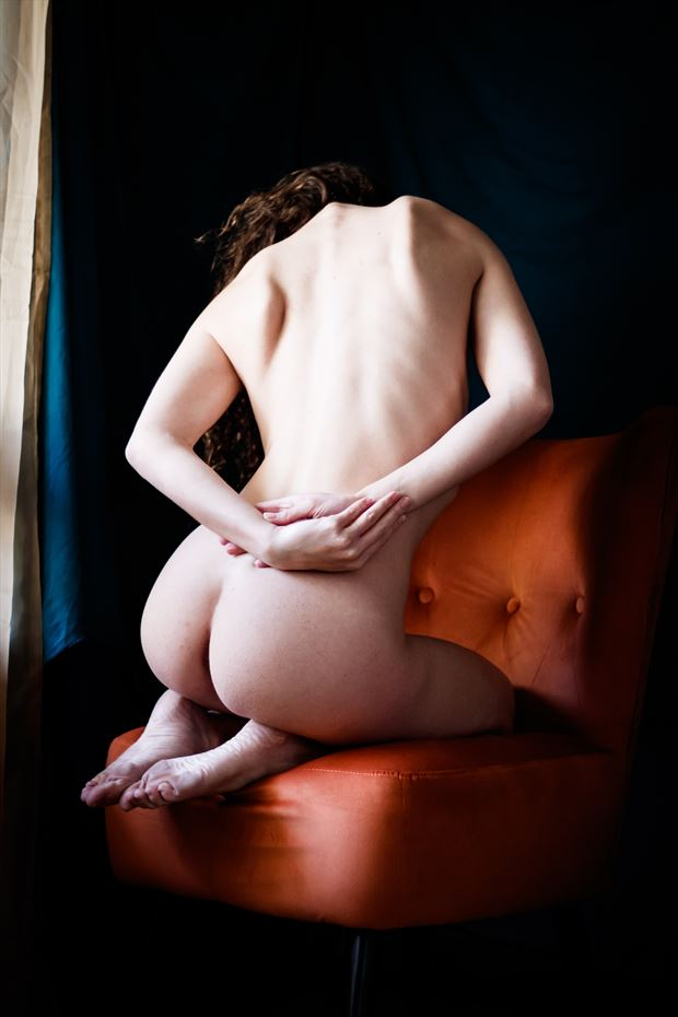 queen s throne i artistic nude photo print by photographer thomas branch