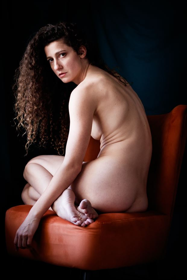 queen s throne ii artistic nude photo print by photographer thomas branch