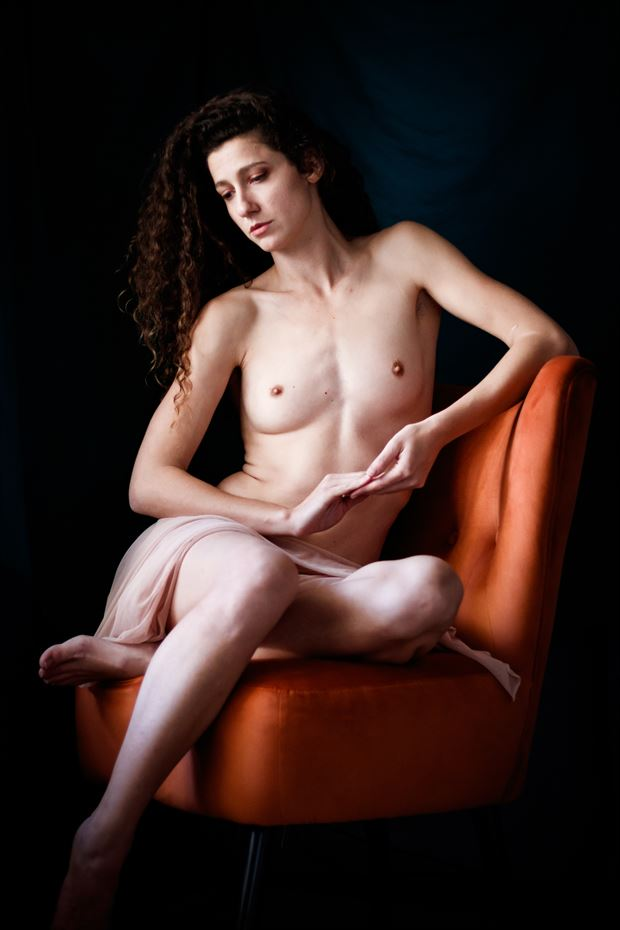 queen s throne iii artistic nude photo print by photographer thomas branch