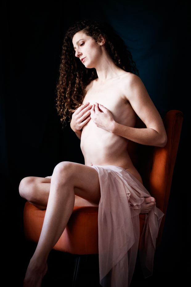 queen s throne iv artistic nude photo print by photographer thomas branch