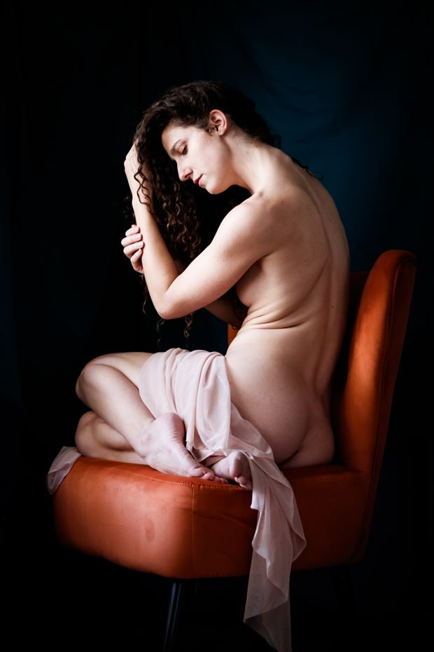 queen s throne vii artistic nude photo print by photographer thomas branch