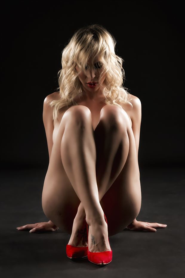 red high heels artistic nude photo print by photographer ken greenhorn