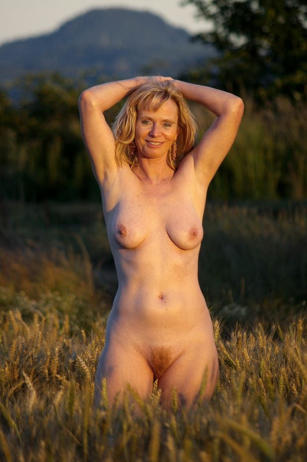 shelley artistic nude photo print by photographer aephotography