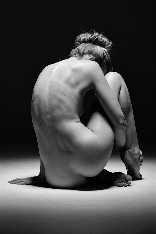 simple nude artistic nude photo print by photographer stephen wong