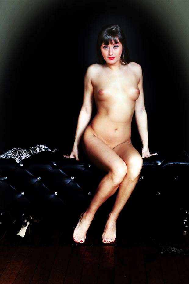 sitting pretty artistic nude photo print by photographer robert l person