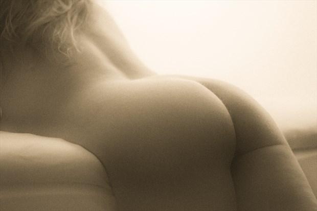 soft back Artistic Nude Photo print by Photographer BenGunn