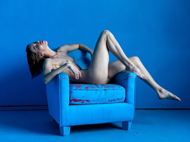 the blue chair 3 artistic nude photo print by photographer lamont s art works