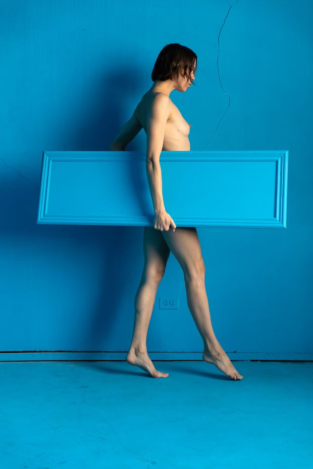 the blue mirror on blue 4 artistic nude photo print by photographer lamont s art works