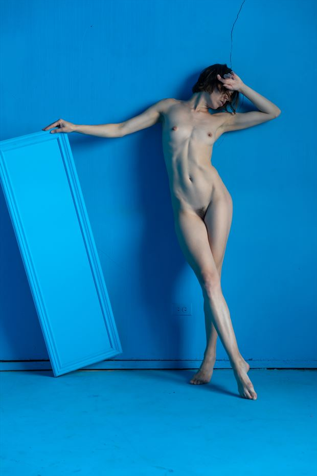 the blue mirror on blue 6 artistic nude photo print by photographer lamont s art works