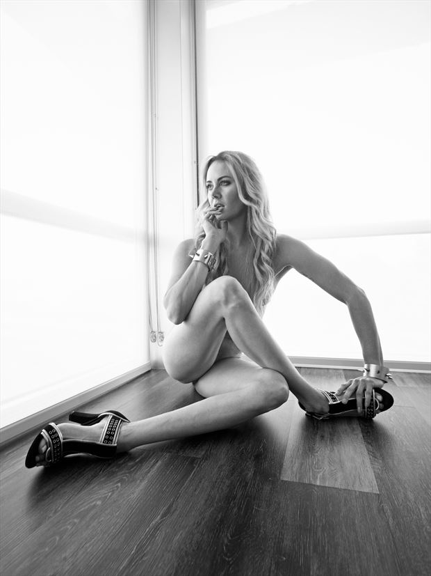 twisted glamour artistic nude photo print by model alexandra queen