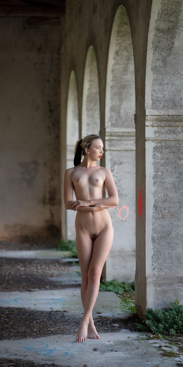 urban nude in italy artistic nude photo print by photographer colin dixon