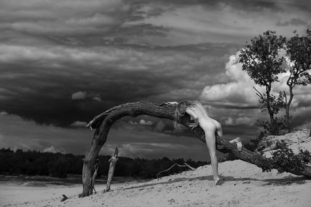 waiting for the storm artistic nude photo print by photographer louis sauter