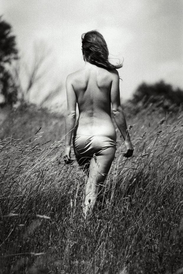 walking uphill artistic nude artwork print by photographer tony avellino