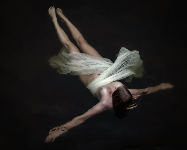 weightless artistic nude artwork print by photographer accipiter