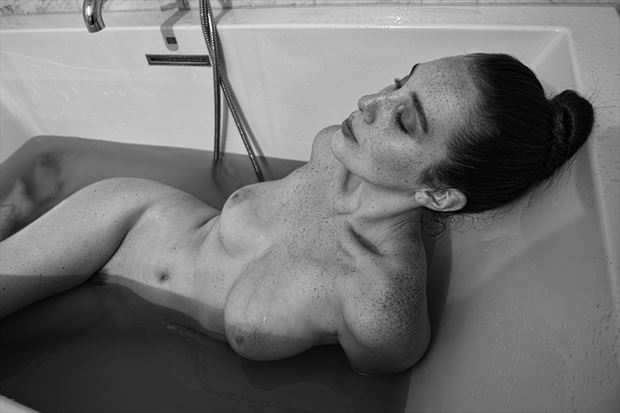 willa artistic nude photo print by photographer dpaphoto
